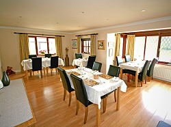 breakfast room at tan-yr-onnen guest house nr st. asaph